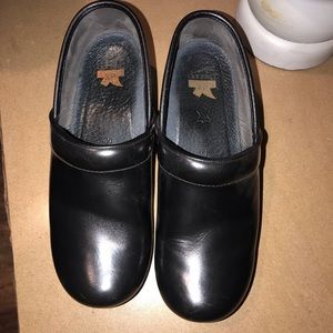 USED BLACK DANSKO
